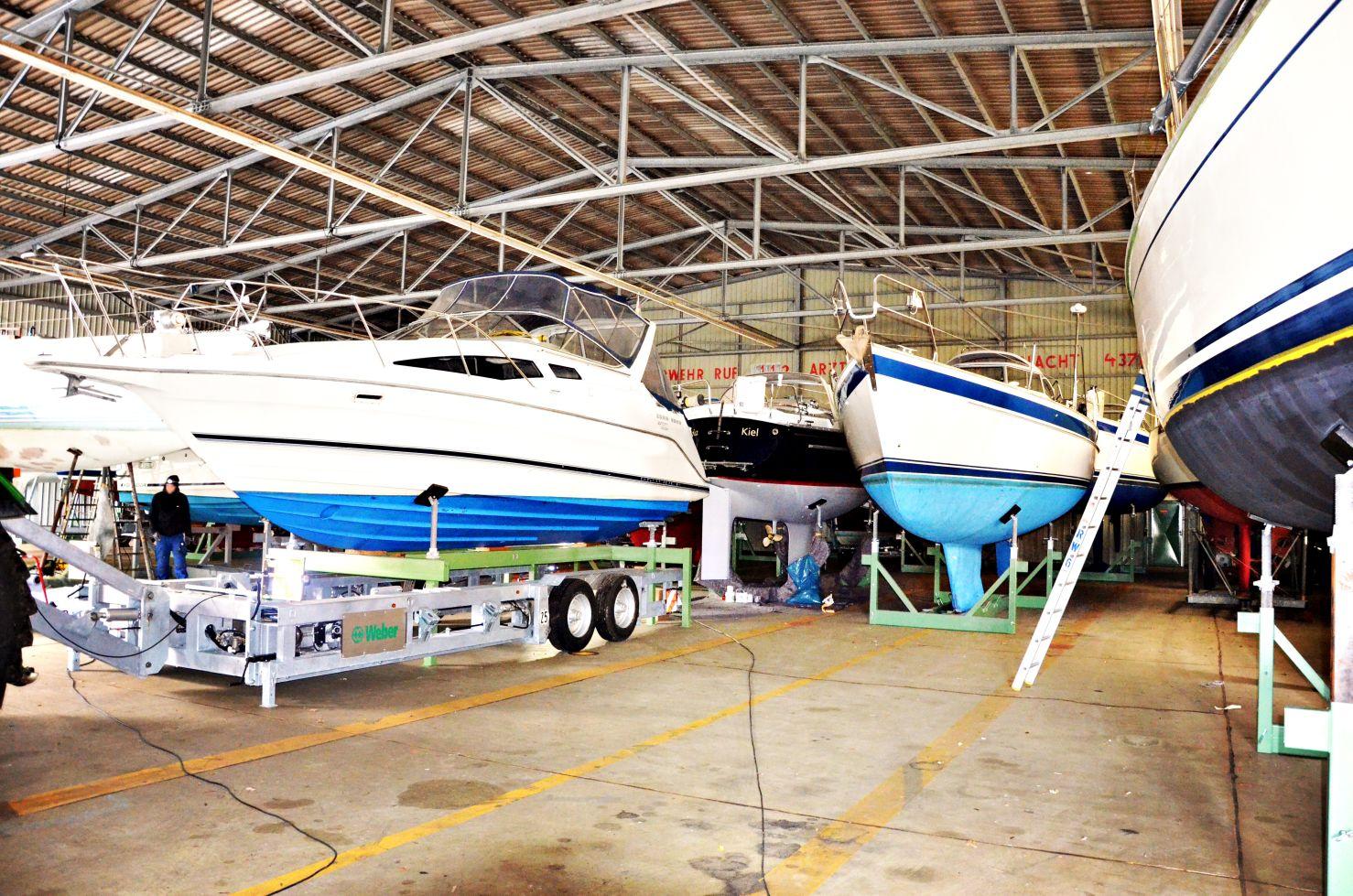 Hallenlager Boote Kiel-klein
