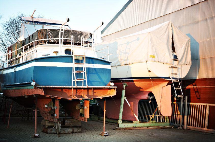 Boots Außenlager im Winter in Kiel