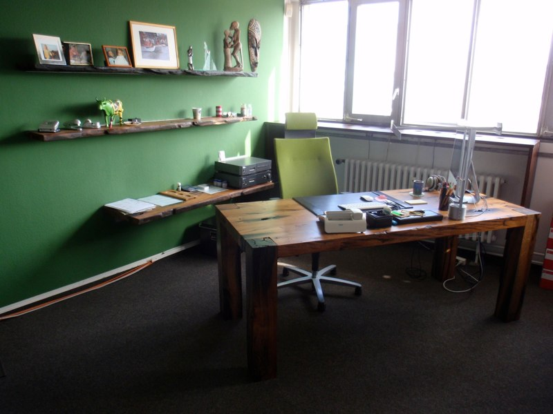 Woodstation Büroeinrichtungen