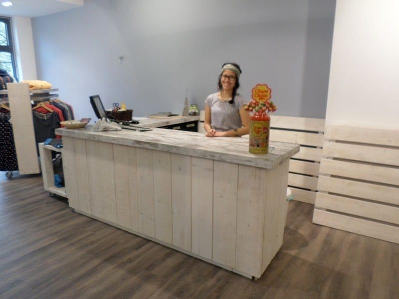 Woodstation Einrichtung für Gastronomie- und Ladenbau